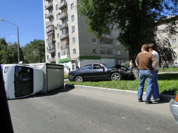 Серьезное ДТП в Усть-Каменогорске (+Фото)