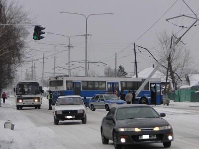 ДТП с участием рейсового автобуса и столба (+Фото)